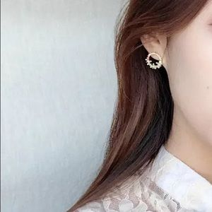 Jewelry - Round Circle Full Flower Crystal Stud Earrings